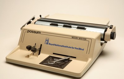 Máquina de escritura para el sistema Moon